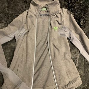 🤍🖤Abercrombie szXS athletic jacket gray/brown